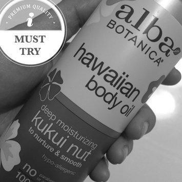 Photo of Alba Botanica Hawaiian Body Oil Deep Moisturizing Kukui Nut uploaded by Monica L.