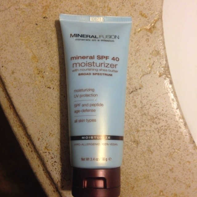 Jergens Natural Glow Daily Moisturizer Medium/Tan uploaded by Tyra H.