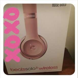 Photo of Apple Beats Solo3 Bluetooth On-Ear Headphones with Mic Control - Rose G uploaded by Jasmine S.