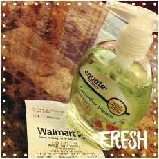 Photo of Softsoap® Crisp Cucumber & Melon Liquid Hand Soap uploaded by Evelyn B.