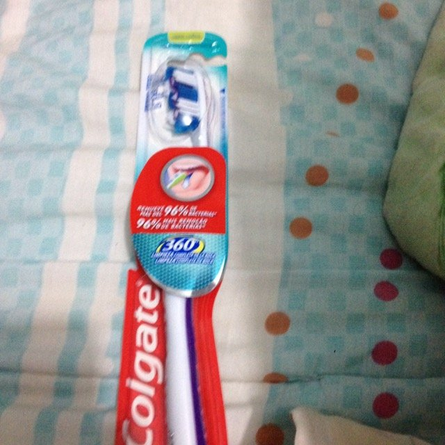 Colgate 360 Toothbrush with Tongue Cleaner uploaded by obetzuris N.
