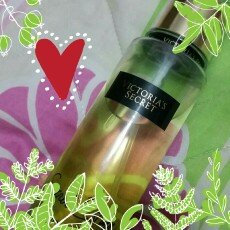 Photo of Victoria's Secret Victoria Secret Fantasies New! Secret Escape Fragrance Mist uploaded by Karina C.