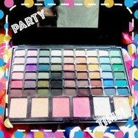 BR Beauty Revolution Glamour Girl Makeup Kit 43 Eyeshadow / 9 Blush / 6 Lip Gloss uploaded by Xiomara C.
