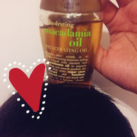 OGX® Moisturizing Macadamia Oil Dry Styling Oil uploaded by Madelyne s.