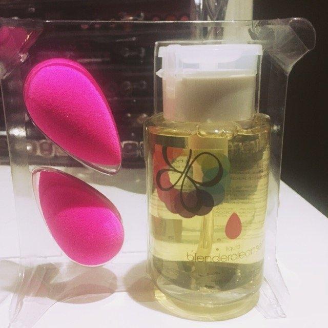 beautyblender Makeup Sponge Applicator Duo & Cleanser uploaded by Nidhi P.