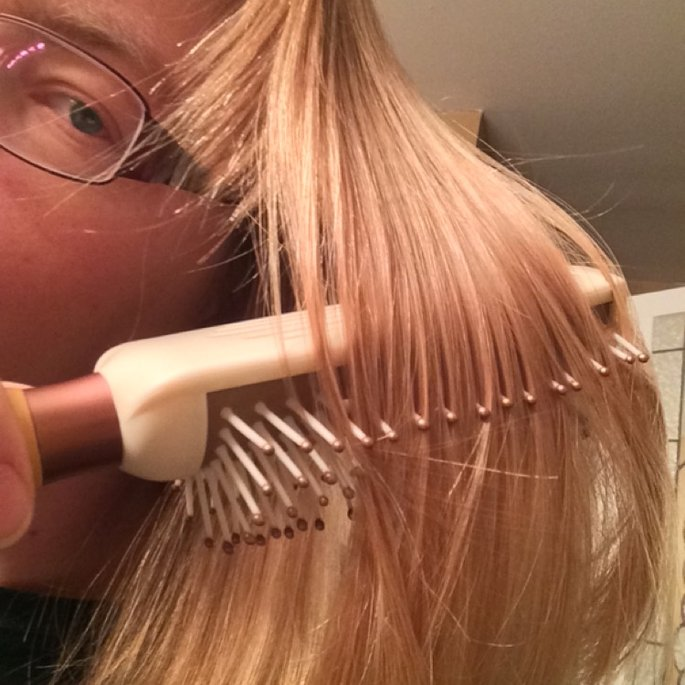 EcoTools Styler + Smoother Hair Brush uploaded by Laura M.