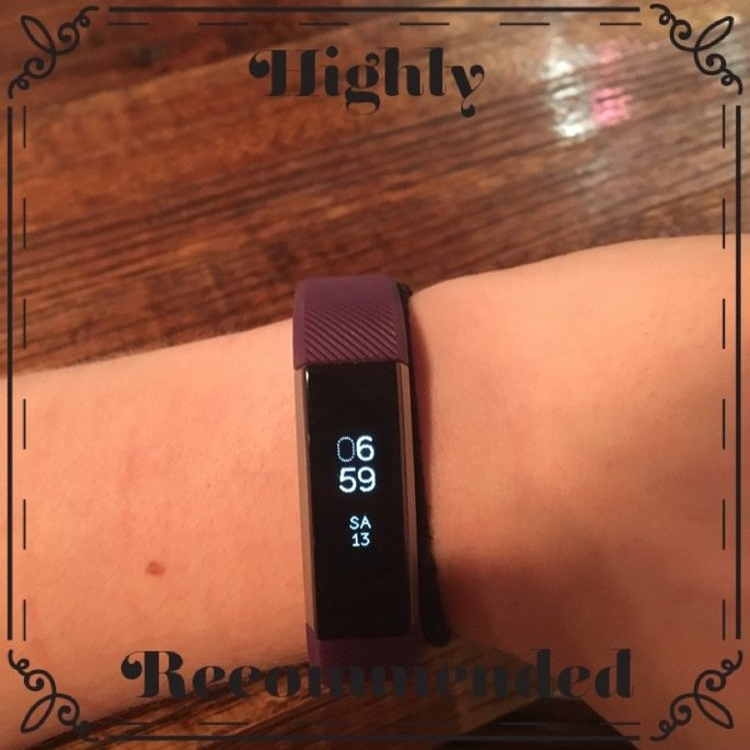 Fitbit 'Alta' Wireless Fitness Tracker, Size Small - Black uploaded by Chelsea S.