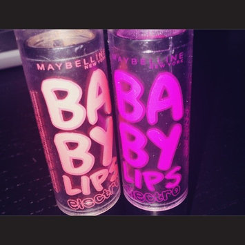 Baby Lips® Electro Moisturizing Lip Balm 2-Pack Pink Shock/Oh! Orange! 2-0.15 oz. Tubes uploaded by Fern S.