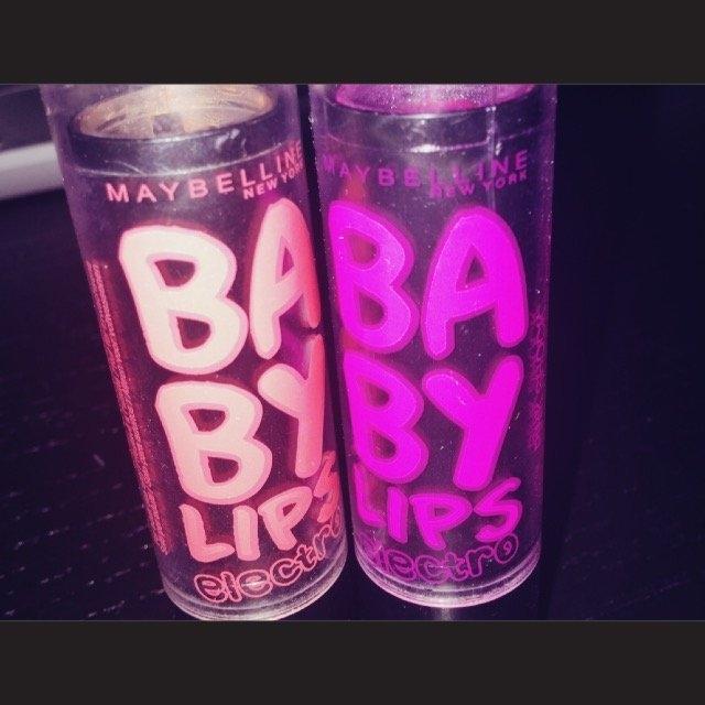 Baby Lips® Electro Moisturizing Lip Balm 2-Pack Pink Shock/Oh! Orange! 2-0.15 oz. Tubes uploaded by Fern S.