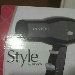 Photo of Revlon Rvdr5034 Black Hair Dryer 2Heat 2Speed 1875W Turbo uploaded by Angela j.