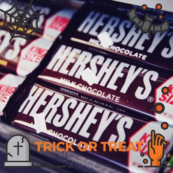Hershey's  Milk Chocolate with Almonds uploaded by Florianyeli M.