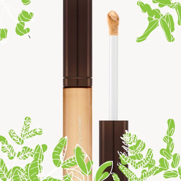 Photo of BECCA Aqua Luminous Perfecting Concealer uploaded by Vivian R.