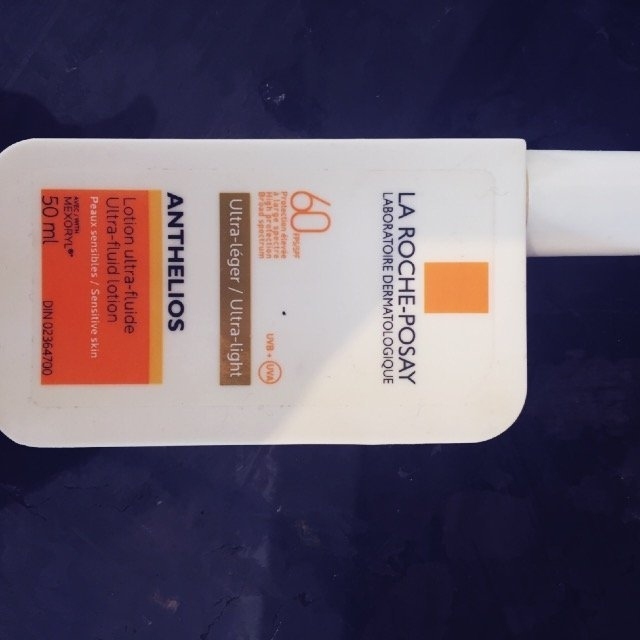 La Roche-Posay Anthelios 60 Ultra Light Sunscreen Fluid Extreme uploaded by Erika G.