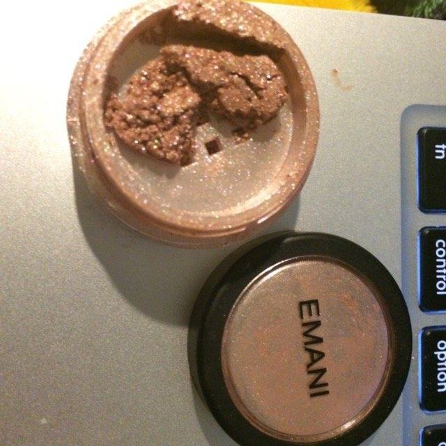 EMANI Crushed Mineral Color Dust 0.07 oz. uploaded by Rachael S.