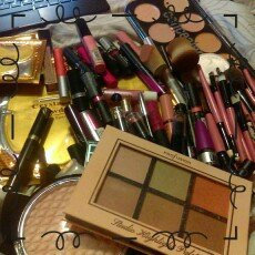 Profusion Cosmetics  uploaded by romane F.