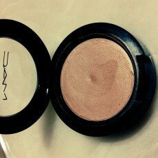 Photo of M.A.C Cosmetics Cream Colour Base uploaded by karen  r.