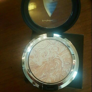 MAC 'Star Trek - Trip The Light Fantastic' Powder - Luna Luster uploaded by Crystal S.