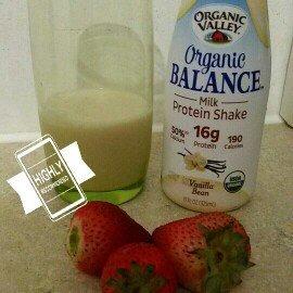 Photo of Organic Valley Organic Balance Milk Protein Shake Vanilla Bean uploaded by Yajaira H.