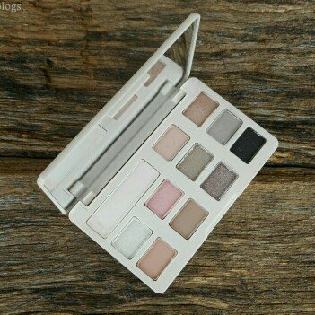 Too Faced White Chocolate Chip Eye Shadow Palette uploaded by Angelica T.