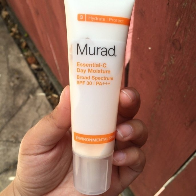 Murad Environmental Shield Essential-C Day Moisture uploaded by Perla M.