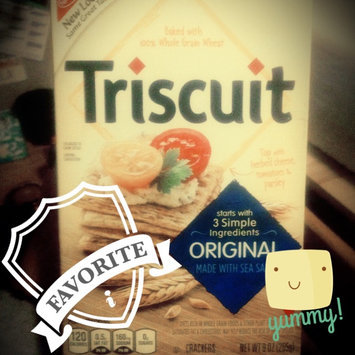 Photo of Nabisco Triscuit - Crackers - Baked Whole Grain Wheat Original uploaded by Lila T.