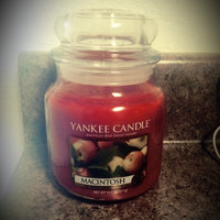 Yankee Candle Housewarmer Macintosh Medium Classic Candle Jar uploaded by Mae G.