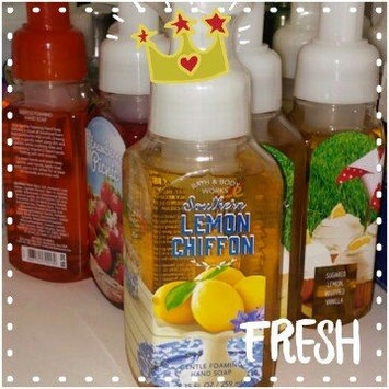 Bath & Body Works Anti-bacterial Gentle Foaming Hand Soap Southern Lemon Chiffon 8.75oz uploaded by Ashleigh A.