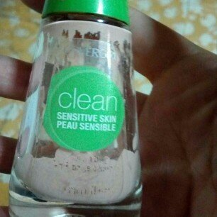 Cover Girl Warm Beige Sensitive Skin Liquid Make Up uploaded by Yennifer P.