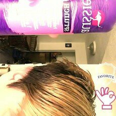Photo of Aussie Sprunch Hairspray uploaded by Carrie S.