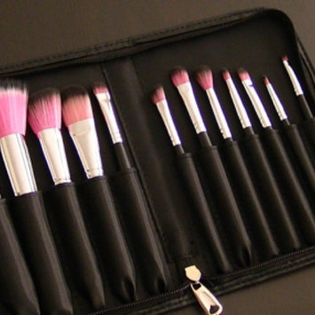 Photo of Sedona Lace Makeup Brushes  uploaded by Evangelina R.