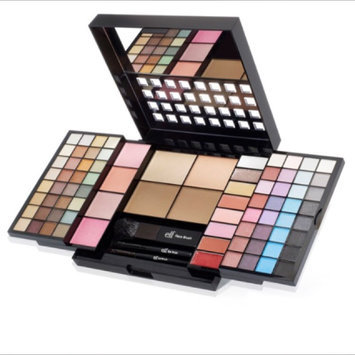 Photo of e.l.f. Essential Makeup Collection Set uploaded by Tiffany O.