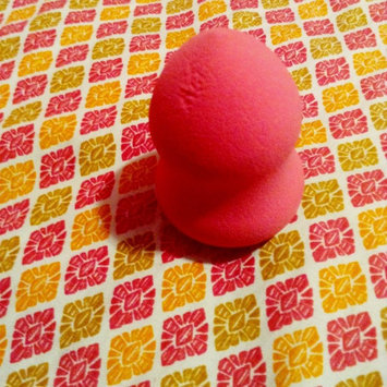 e.l.f. Blending Sponge uploaded by Yari E.