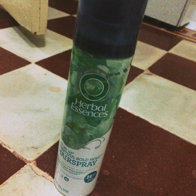 Herbal Essences Set Me Up Hairspray uploaded by Stephany F.