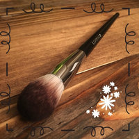 SEPHORA COLLECTION PRO Featherweight Complexion Brush #90 uploaded by Crista S.