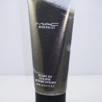 Photo of M-A-C Mineralize Volcanic Ash Exfoliator uploaded by Aliesh A.