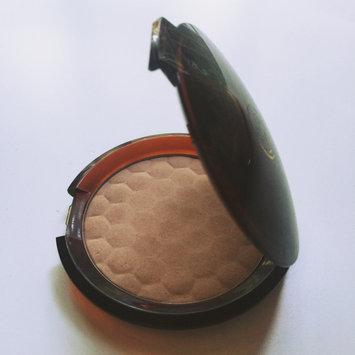 The Body Shop Honey Bronzing Powder uploaded by Jennifer H.