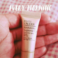 Estée Lauder Revitalizing Supreme Light+ Global Anti-Aging Cell Power Creme Oil-Free uploaded by Sacha M.