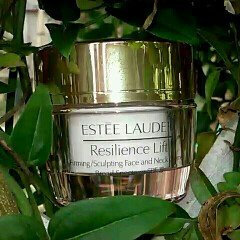 Photo of Estée Lauder Resilience Lift Firming/Sculpting Eye Creme uploaded by maria n.