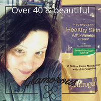 Neutrogena Healthy Skin Anti-Wrinkle Cream with sunscreen SPF 15 uploaded by Tammie N.