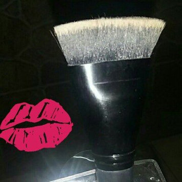 Contouring Brush uploaded by Daniela M.