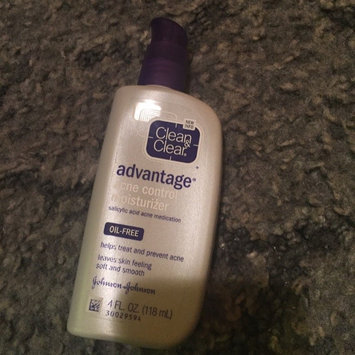 Clean & Clear Advantage Acne Control Moisturizer uploaded by hannah b.