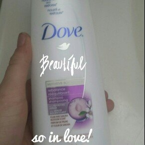 Dove Daily Moisture Therapy Shampoo uploaded by Yannie H.