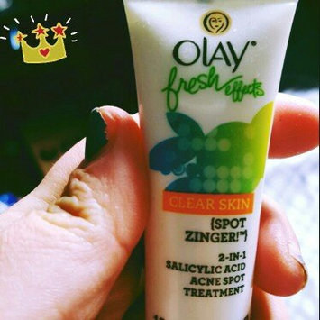 Photo of Olay Fresh Effects Clear Skin Spot Zinger! 2-in-1 Salicylic Acid Acne Spot Treatment uploaded by Valerie N.
