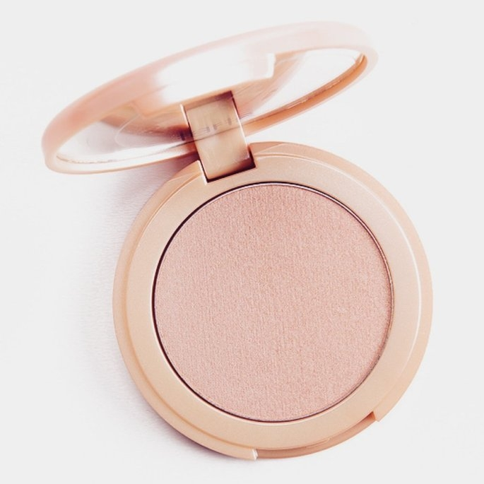 tarte Amazonian Clay Highlighter Exposed 0.20 oz uploaded by Susy T.