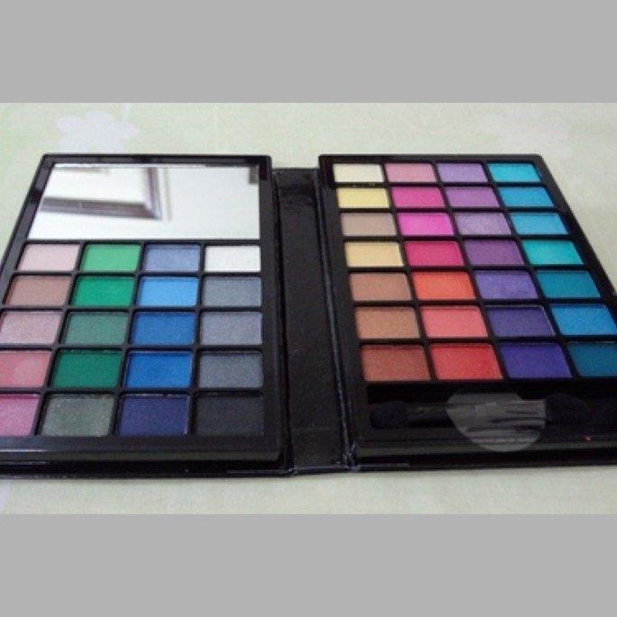 e.l.f. Cosmetics  48 Piece Eyeshadow Book uploaded by Ana T.