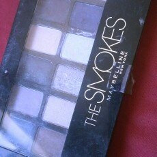 Photo of Maybelline New York The Smokes Eye Shadow Palette uploaded by Ruby D.