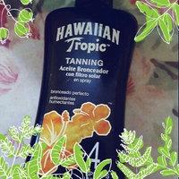 Hawaiian Tropic® Protective Sunscreen Spray with SPF 15 uploaded by Maridania C.