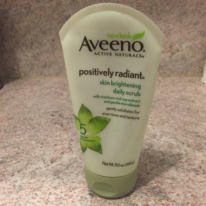 Aveeno Positively Radiant Skin Brightening Daily Scrub uploaded by Mary O.