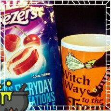 Halls Breezers: Cool Berry Non-Mentholated Pectin Throat Drops uploaded by Jennifer A.