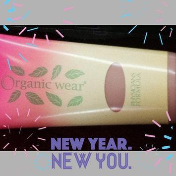 Physicians Formula® Organic Wear® Work It! Light/Medium Marathonista Tinted Moisturizer™ 1.2 fl. oz. Box uploaded by Saphira E.